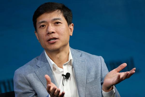 李彦宏:过去半年亲自带信息流团队 每天早八点开会