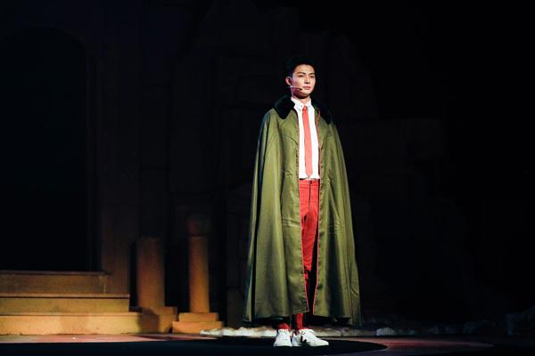 张铭恩二度饰演张日山 一别百年《沙海》再重逢