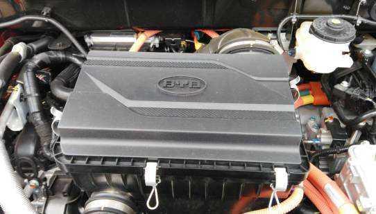 彭博:补贴减少 中国电动汽车电池行业面临残酷洗牌