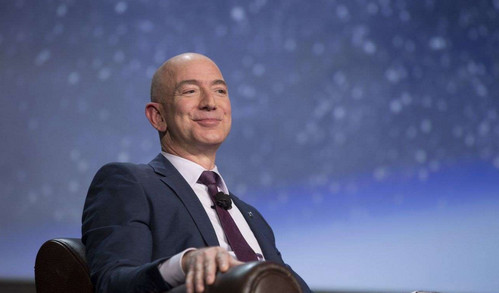亚马逊CEO成现代史上最富有的人 纽约时间周一突破1,500亿美元