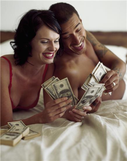 妻子拿老公赚的钱干这事 丈夫愤而离婚