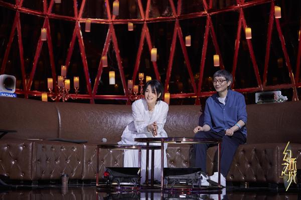 《幻乐之城》王菲化身首席艺统 获萧敬腾现场表白