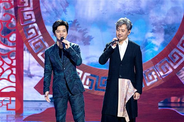 《跨界歌王》吴秀波夺冠呼声高 决赛下半场唱嗨了!