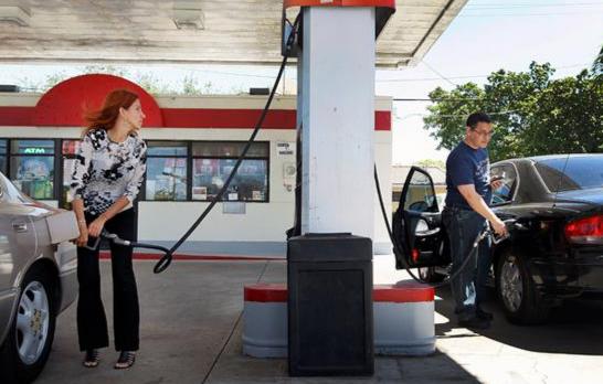 委内瑞拉油价全球最低 总统称要与国际接轨