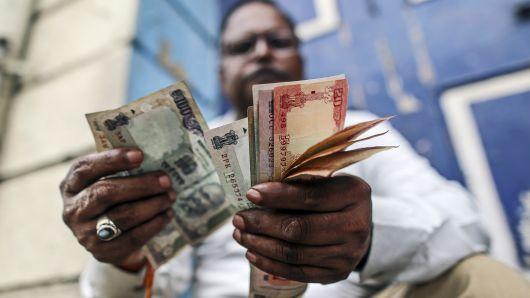 外媒:油价上涨或导致印度经济陷入困境