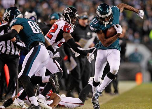 新赛季NFL枕戈待旦 橄榄球运动在华提速发展