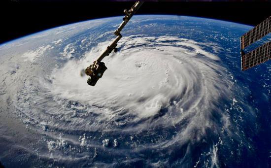 美国迎接有史以来最严重风暴之一!油价应声大涨