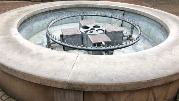 _103379354_fountain.jpg