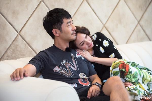 """程莉莎""""花男人钱才能觉得被爱"""" 郭晓东这样回应"""