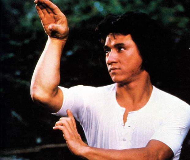 成龙 醉拳 公映40周年 功夫电影多了一条龙
