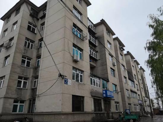 棉织厂家属楼,受害者之一小仲当年曾在附近租房。新京报记者王双兴摄