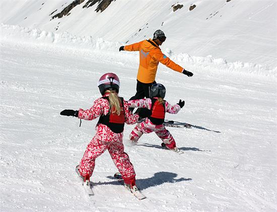 富豪最爱的滑雪场 竟藏在这座山间小镇里~
