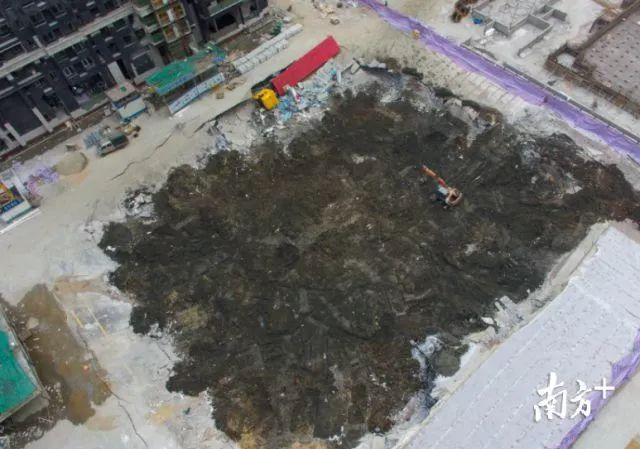 触目惊心!万科在建楼盘发生坍塌 覆盖面积达2000㎡