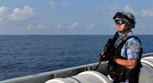 中国海第31批护航编队首次护航 驱离两批可疑目标