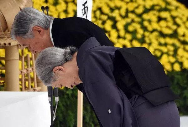 ▲明仁夫妇为二战时日本的走为道歉