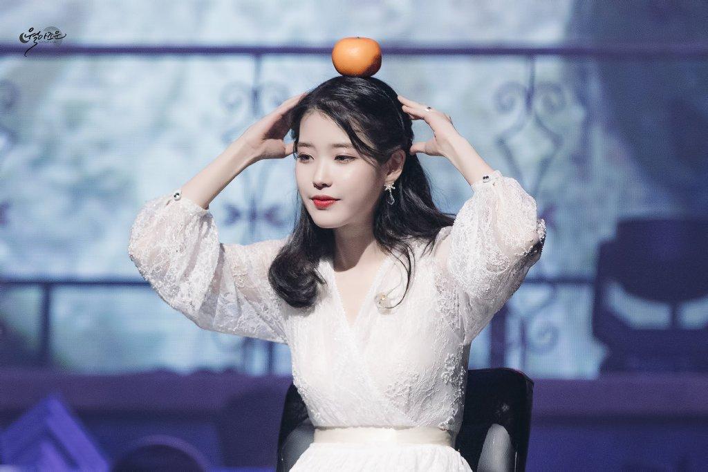 在整形盛行的韩国,李智恩也能做到天然萌的可爱模样.