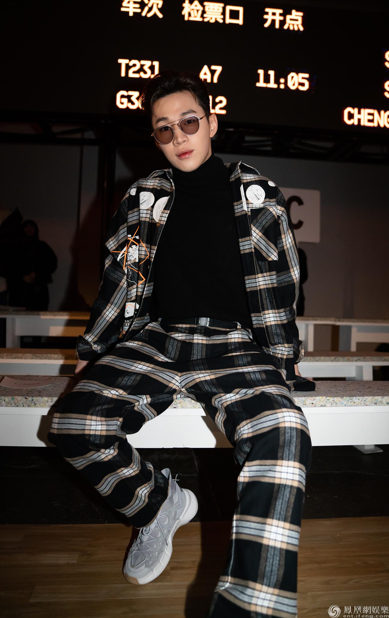 【热点】刘宪华大展驾驭力百变风格再证时尚icon