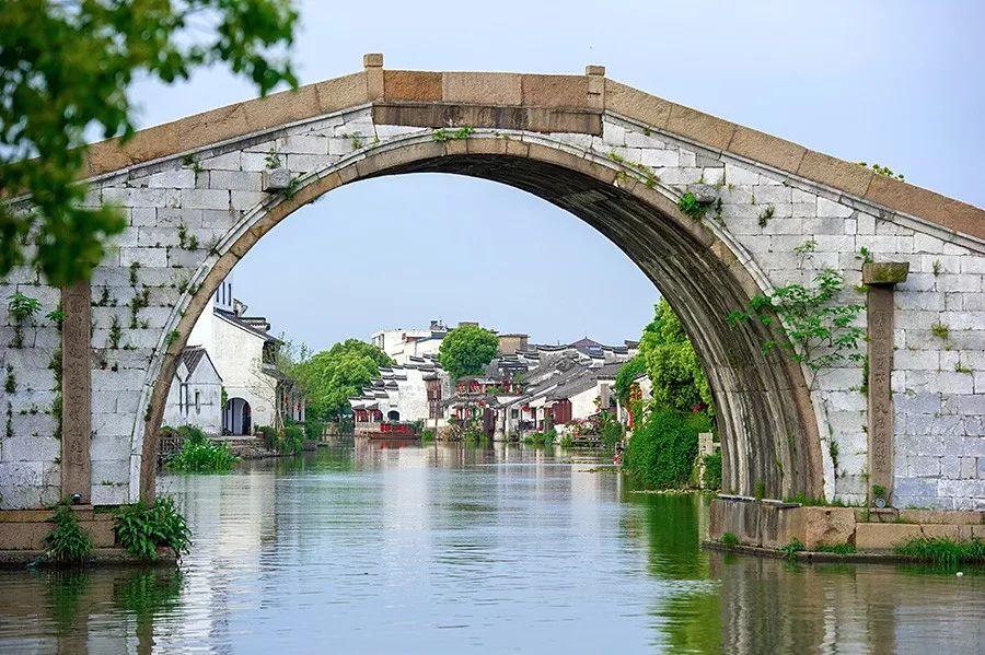 水乡古镇 苏州这座不收门票的水乡古镇 古桥古塔相映成趣却游人稀少 |大美中国