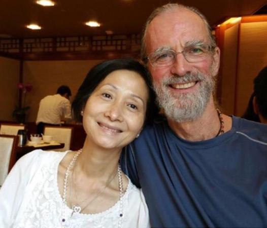 卢靖姗的爸爸过去是一名演员。