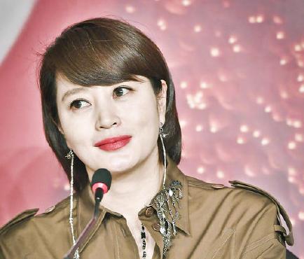 韩女星金惠秀回应母亲巨额债务纠纷:断绝关系已有七年