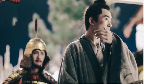 """易烊千玺与剧中角色一样""""少年老成"""" 谈年少成名:收获比缺失多"""