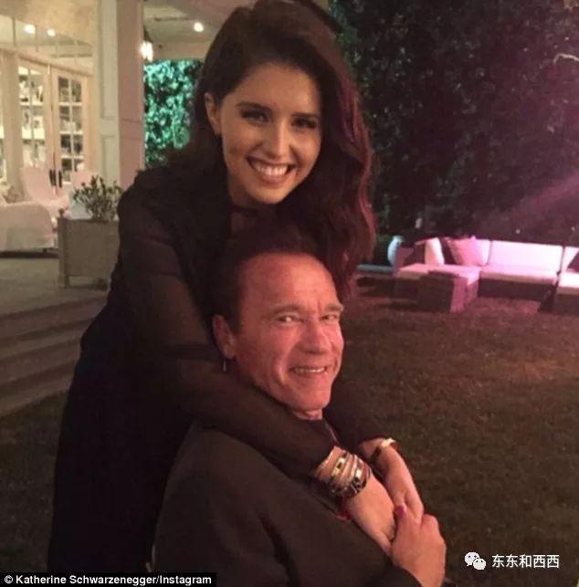 没念过大学,还被骂渣男,肯尼迪家族的白富美为啥要嫁这个男人?
