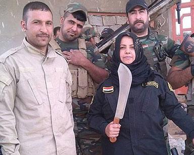 这位大妈带着小队四处剿杀ISIS