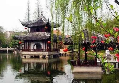 —水绘园风景区位于中国优秀旅游城市,我国著名长寿之乡——如皋境内