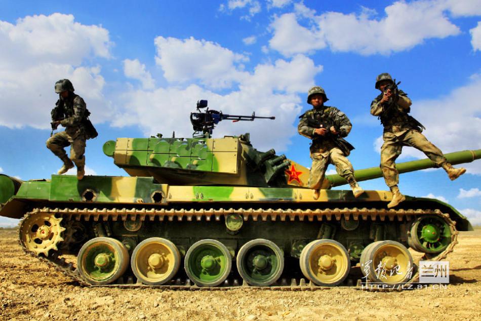 中国12式坦克进入西藏 印度增兵3个装甲旅应对