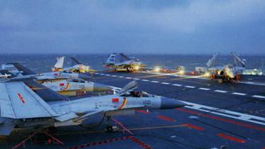 辽宁舰单日起降战机数十架 评:航母形成战力