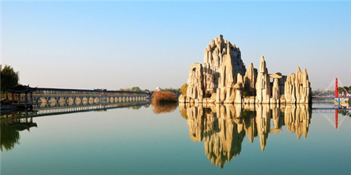 国家5a级八里河风景区,位于安徽省颍上县南部的八里河镇,南临淮河,东
