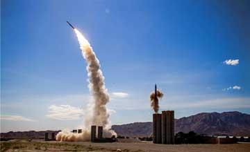 动图:解放军S-300导弹扎堆 双发齐射场面壮观