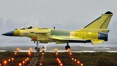 歼-10C与F-22A作战交换比达3:1 媲美F-35