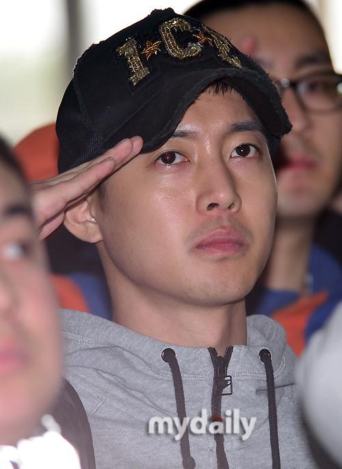 金贤重及其前女友8日将出席索赔庭审【有看点】