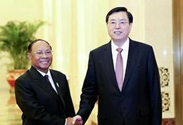 张德江会见柬埔寨国会主席韩桑林