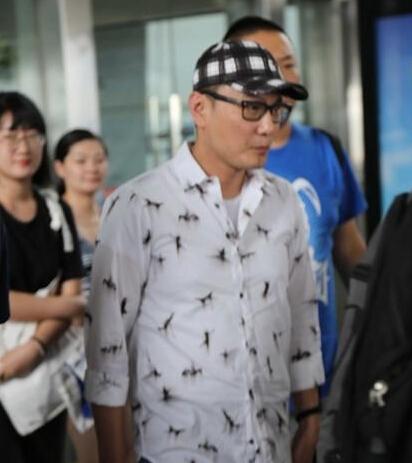 【星娱TV】49岁张信哲难逃发福命运 网友感慨岁月无情