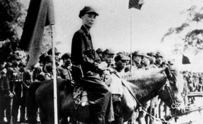 投笔从戎暖天下 原广州市委书记欧初为国为民之路