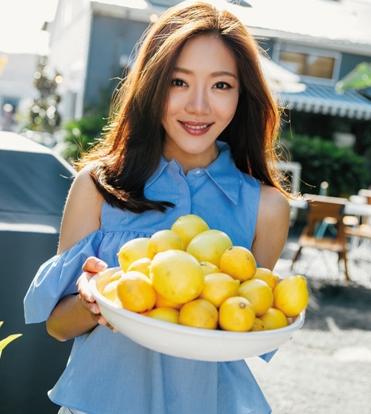 【星娱TV】邓家佳回应清空微博 想把更多时间留给生活