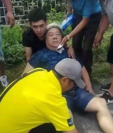 【星娱TV】刘金山被曝已苏醒不至于坐轮椅 家人后怕:差点没了