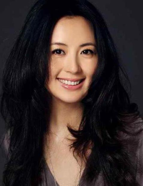 【星娱TV】杨童舒被曝泰国生二胎 就诊医院以试管婴儿闻名
