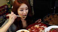 23岁女孩吃出癌症 此物90%人都爱吃