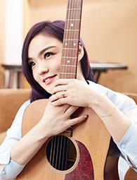 徐佳莹大片演绎率性吉他girl