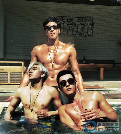 【星娱TV】何润东巴厘岛开单身派对 裸上身秀肌肉