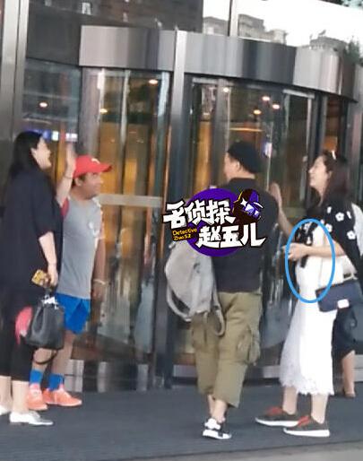 【星娱TV】他是武术冠军,曾搭档李连杰,如今40岁终于快当爸了…