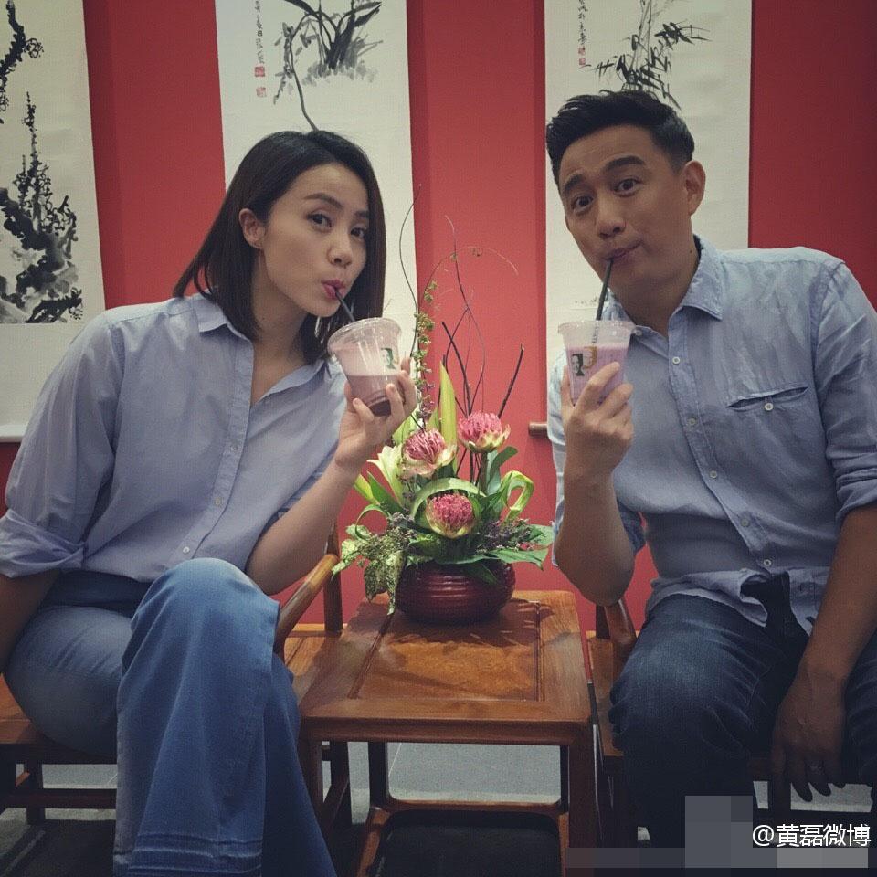 黄磊与孙莉穿情侣装搞怪合影,越长越像了…