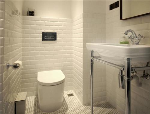 卫生间会设计到浴霸采暖,灯的线路走线,水管的入墙等处理,其中为了