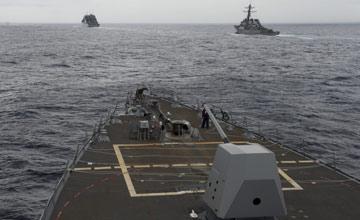 """美海军""""迪凯特""""进入中国南海画面"""