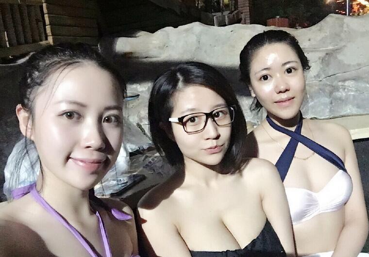 台球美女裁判吕萌希子晒素颜照
