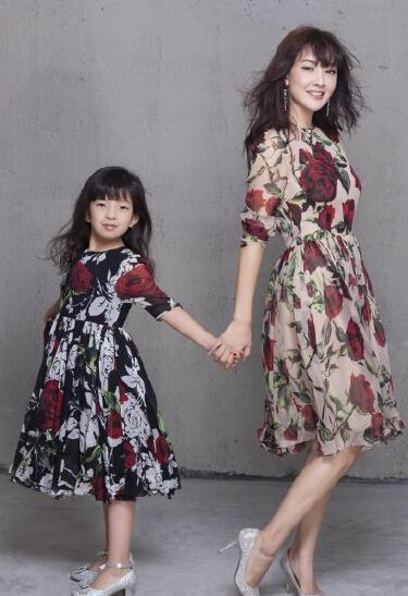 牛莉和女儿