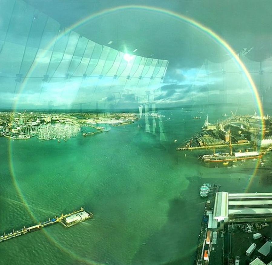 能看到全圆形彩虹十分难得